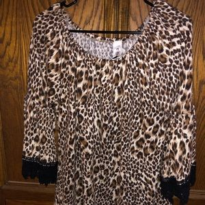 Leopard Bell sleeve boutique top